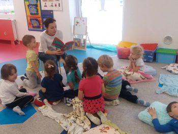 Rodzice czytają bajki – Grupa Jeżyki